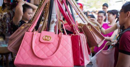 מחיר היוקרה הזולה: איך השפיעה תופעת הזיופים על המותגים?