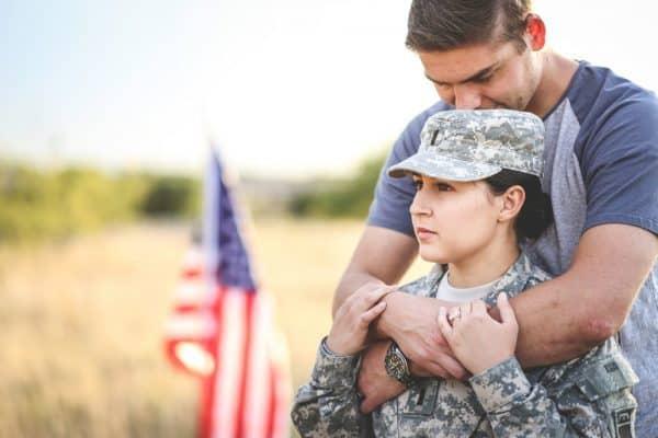 לאנשי צבא יש סיכוי גבוה במיוחד להתגרש. צילום: Shutterstock
