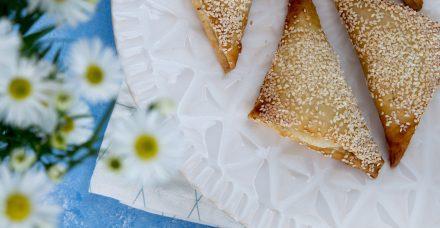 בורקס במילוי גבינה ופלפלים קלויים כשר לפסח וללא גלוטן