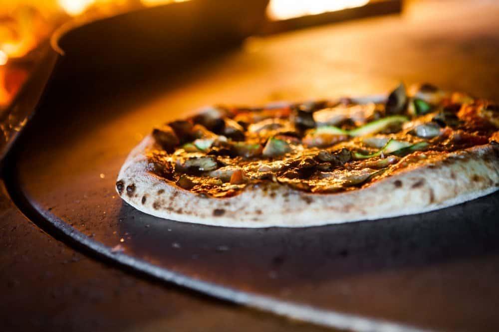 פיצה טבעונית ברוברטה וינצ'י. צילום: ענת פייזר