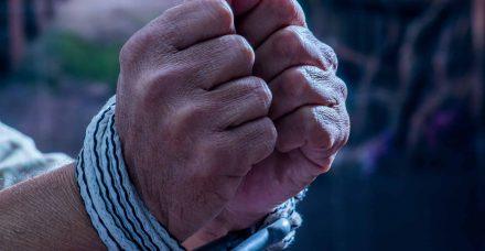 מעבדות לחירות? דילמת האסיר העצמאי