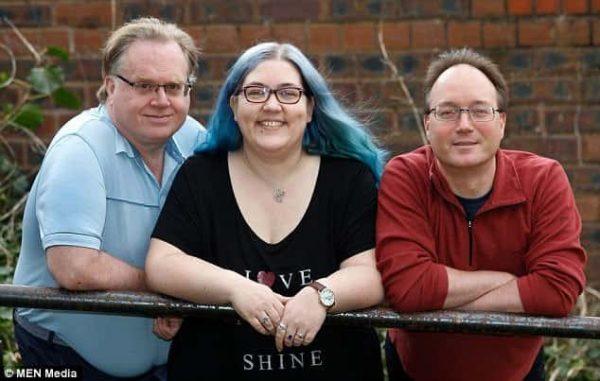 אישה עם בעל, ארוס ושני בני זוג