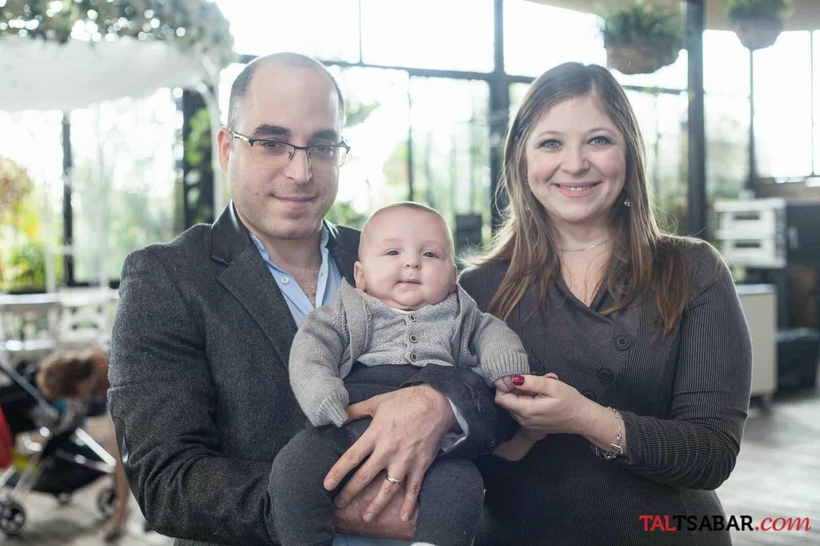 רגינה פרייס, בעלה יאיר והבן איתן. צילום: טל צבר