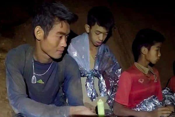 הנערים הלכודים בתאילנד. צילום מסך