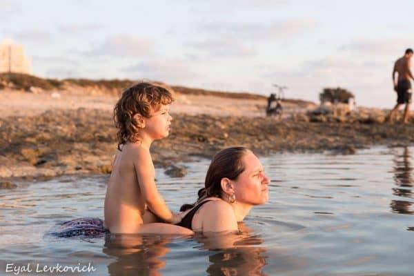צוף יובל ובנה קול. צילום: אייל לבקוביץ'