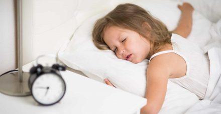 חוזרים לשגרה: 6 טיפים שיעזרו לכם להרדים את הילדים בקלות ובמהירות