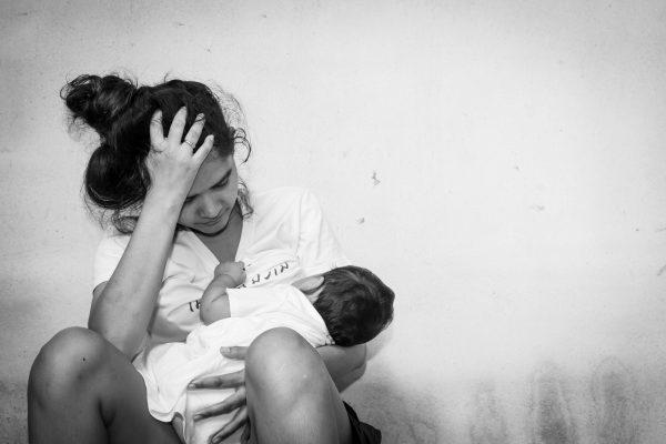 """""""אימהות מספרות לי איך הן בוכות בלילות בגלל המצוקה הגדולה שלהן. צילום אילוסטרציה: shutterstock"""