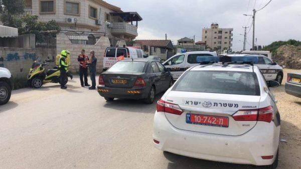 """ניידת משטרה מחוץ לביתה של דיאנה אבו קטיפאן ז""""ל. צילום מבצעי מד""""א"""