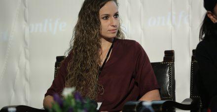 קארין סנדל: הקשר עם ישראל אוגלבו עוזר לקדם כדורגל נשי