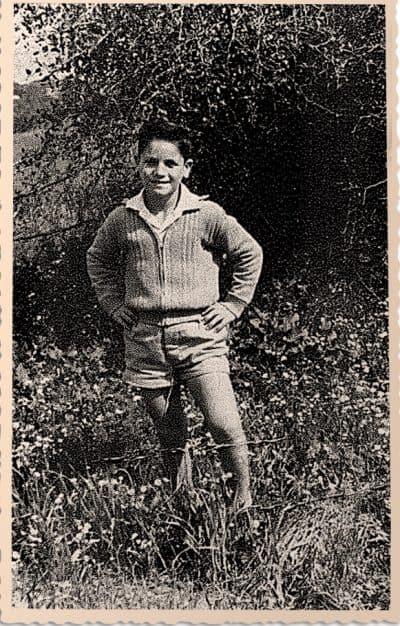 יצחק קשקש בתמונה משנות החמישים במעברת בית יעקב. תמונה באדיבות המשפחה