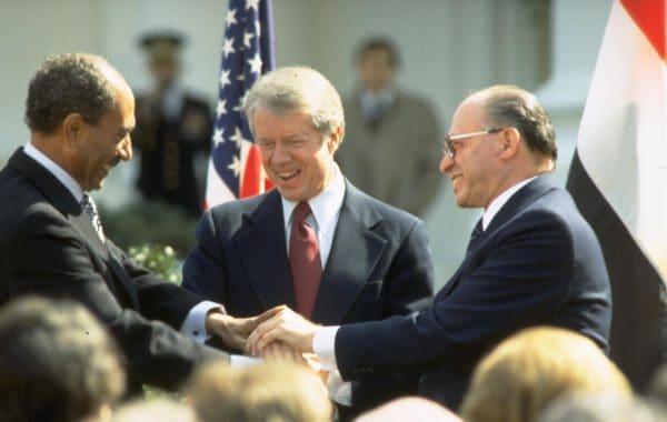 """הסכם השלום ההיסטורי צילום: לע""""מ"""