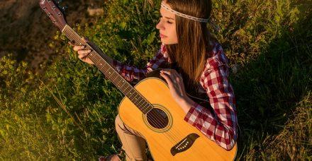 3 שיטות ללימוד נגינה על גיטרה