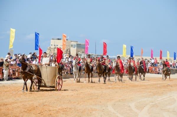 מופע סוסים בחול המועד פסח בנמל קיסריה. צילום: צופית דמרי