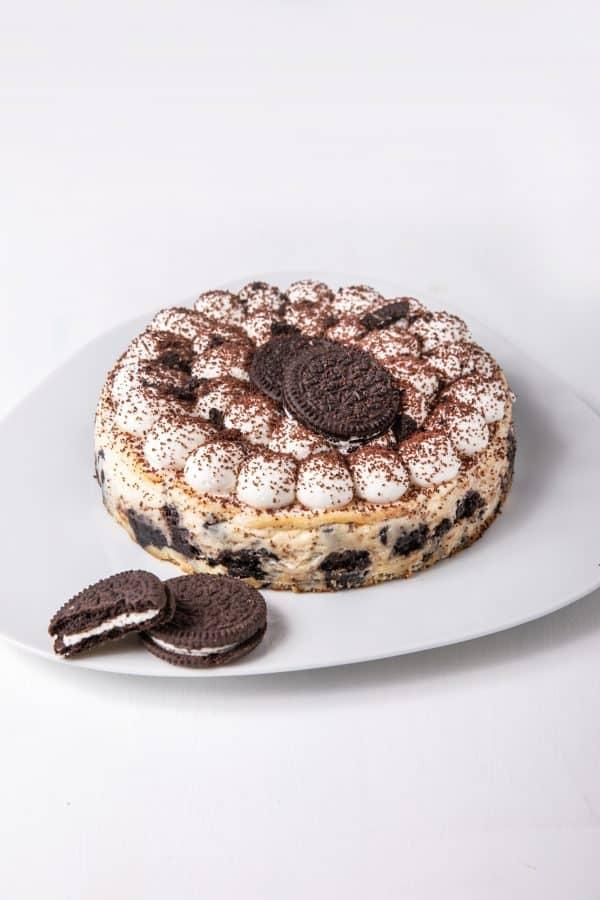 עוגת גבינה אפויה עם עוגיות אוראו. בוטיק סנטרל. צילום: טל סיון ציפורין
