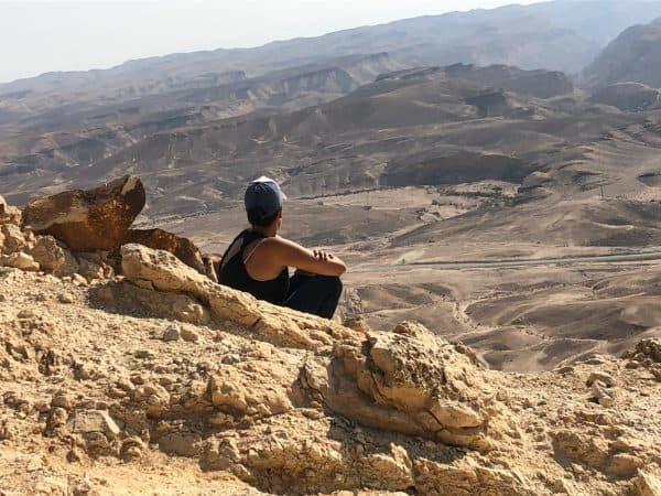 הילה זדה בחלאסרטן במדבר. צילום ביתי