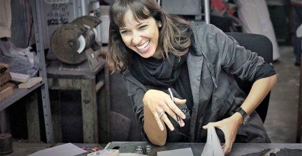 """""""בניגוד למצופה, הרגשתי בת מזל"""": מעצבת הנעליים נועה לוי הפכה את הקושי להשראה"""