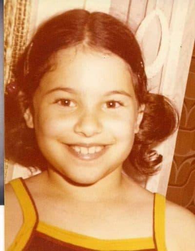 שרון בר-אל תמיר בילדותה. צילום ביתי
