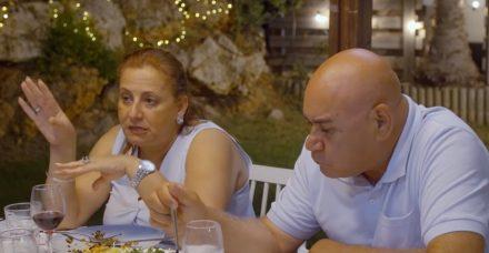 """""""בואו לאכול איתי"""": אביבה חזן, אף אישה לא צריכה למרוח אודם ולשתוק כשבעלה מכה אותה"""
