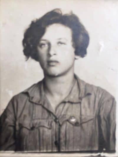 סבתא שלי, עדה ברקוביץ׳. ניצלה בזכות הציונות
