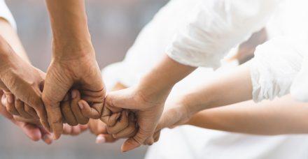 רוצים לעזור לקשישים? מדריך קצר לכל הדרכים האפשריות