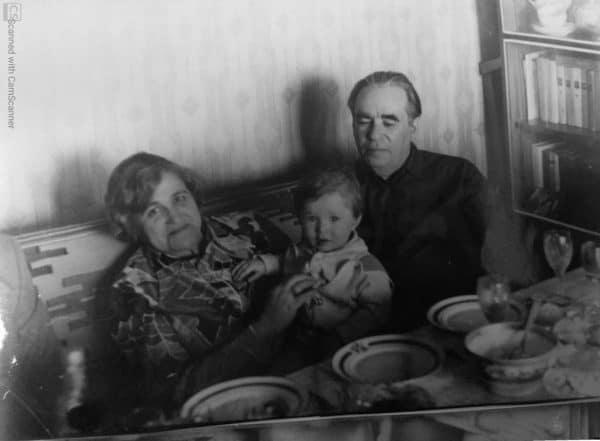 סבא וניה, סבתא אירינה ואולגה