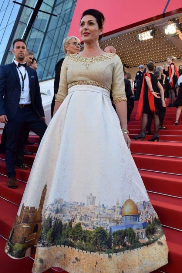 מירי רגב בשמלת ירושלים בפסטיבל קאן. צילום אלי סבתי