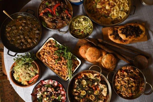 הארוחה שהכינו לנשות המקלט צילום נימרוד כהן