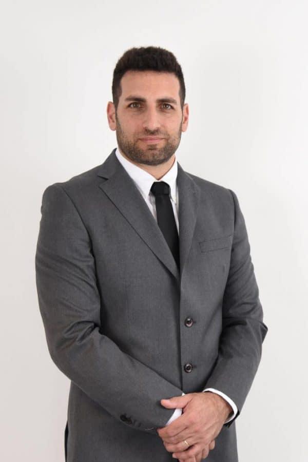 """עו""""ד אסף אמון בעל משרד עורכי דין העוסק בדיני חוזים"""