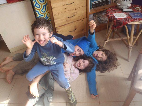 ילדי משפחת חורש, היום התאומים כבר בני עשרים והקטן כבר בן 14. צילום ביתי