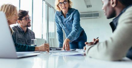נשים מנהלות צריכות להתגייס כדי להציל את המגזר החברתי
