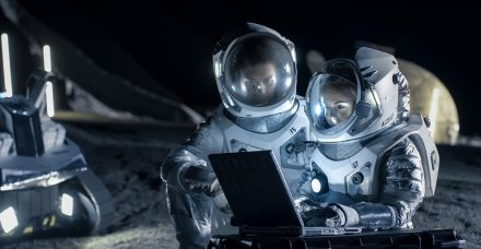 """מכתב פתוח לשרת המדע: """"ילדות ישראל צריכות אסטרונאוטית אישה שיוכלו לשאת אליה עיניים"""""""