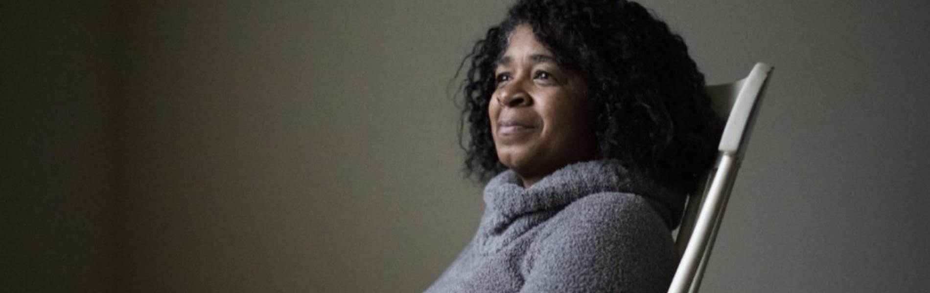 היא נתנה לאישה זרה להחזיק את התינוקת שלה לפני 34 שנה- ומעולם לא ראתה אותה שוב