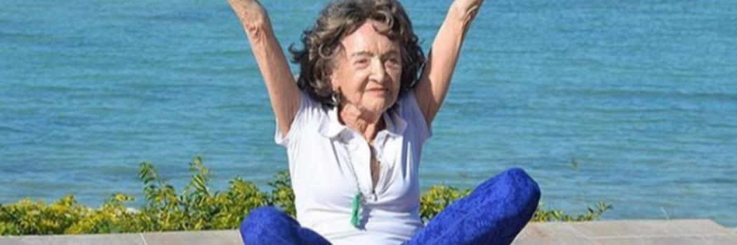 בגיל 99 למורה ליוגה המבוגרת בעולם יש עצה עבורכם