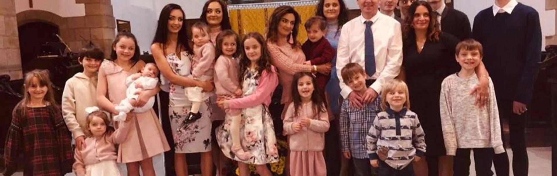 המשפחה הגדולה בבריטניה מצפה לילדה ה-21