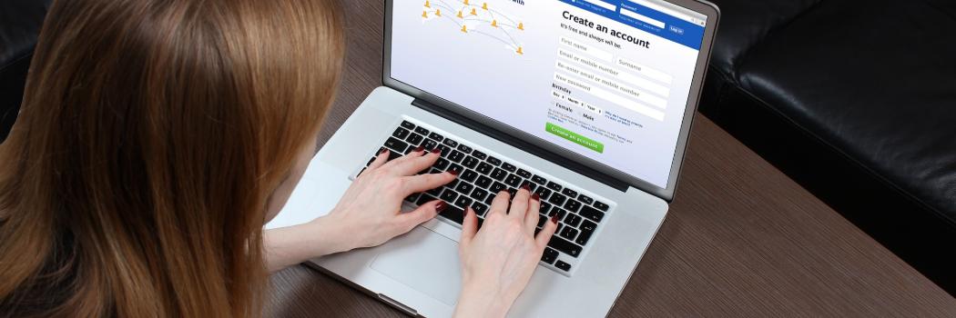 האם פייסבוק מנסה לרמוז שלי שחיים הנישואין שלי בסכנה?