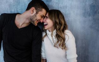 בובי ושמופי: למה זוגות מפתחים שפה מביכה ומעצבנת?