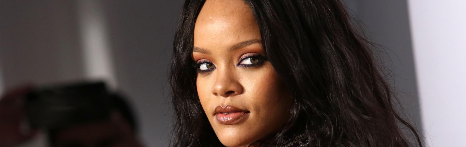 ריהאנה החליטה לסיים את הקשר הנצלני עם אביה והגישה נגדו תביעה