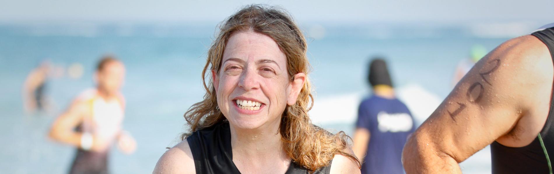 """קטועת הרגל ששחתה את 'חוצה ישראל' בים: """"יש לי יכולות ונפש חפצה לחיות את החיים ולא לתת להם לעבור לידי"""""""