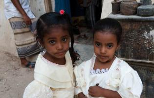 הרעב בתימן גורם להורים לחתן את בנותיהם בנות ה-3