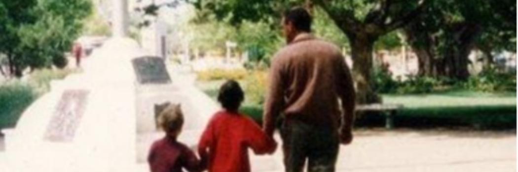 ברנדה אזרצקי ואביה. צילום באדיבות המשפחה
