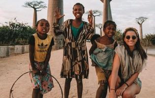 הכירו את האישה הצעירה ביותר שטיילה בכל המדינות בעולם