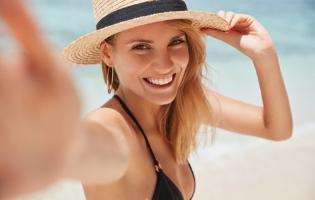 מסופר פוד ועד למסיכה: המוצרים שיעזרו לנו לשמור על עצמנו בטירוף של הקיץ