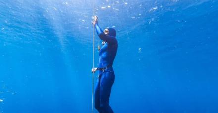 """40 מטר מתחת לפני הים: """"הצלילה החופשית נותנת לי שקט פנימי"""""""