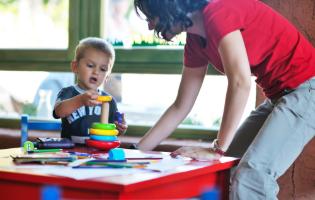 רישום לגני ילדים ומשפחתונים: אלו התנאים שכל מסגרת מפוקחת חייבת ליישם