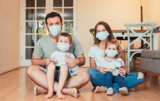 איך לנווט את חיי המשפחה בתקופה של חזרה (מדורגת) לשגרה