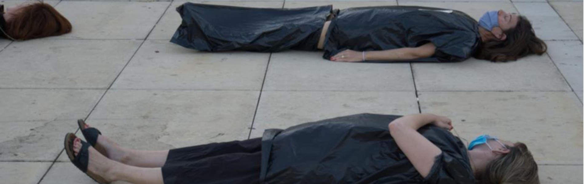 מיצג הגופות: 'התכנית הכלכלית הזו היא הדרך הבטוחה למותה של הכלכלה הישראלית'