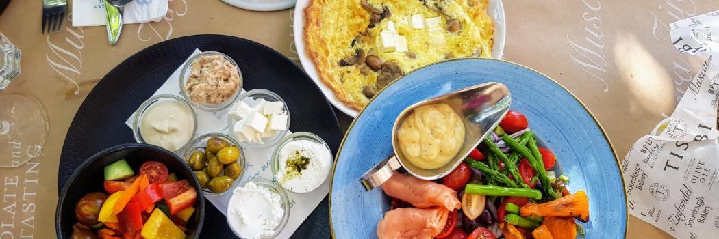 ארוחת בוקר בתשבי צילום יוליה פריליק ניב