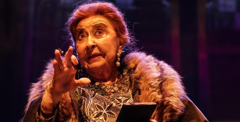 בגיל 91 ליא קניג סוחפת את הקהל בהצגה חדשה