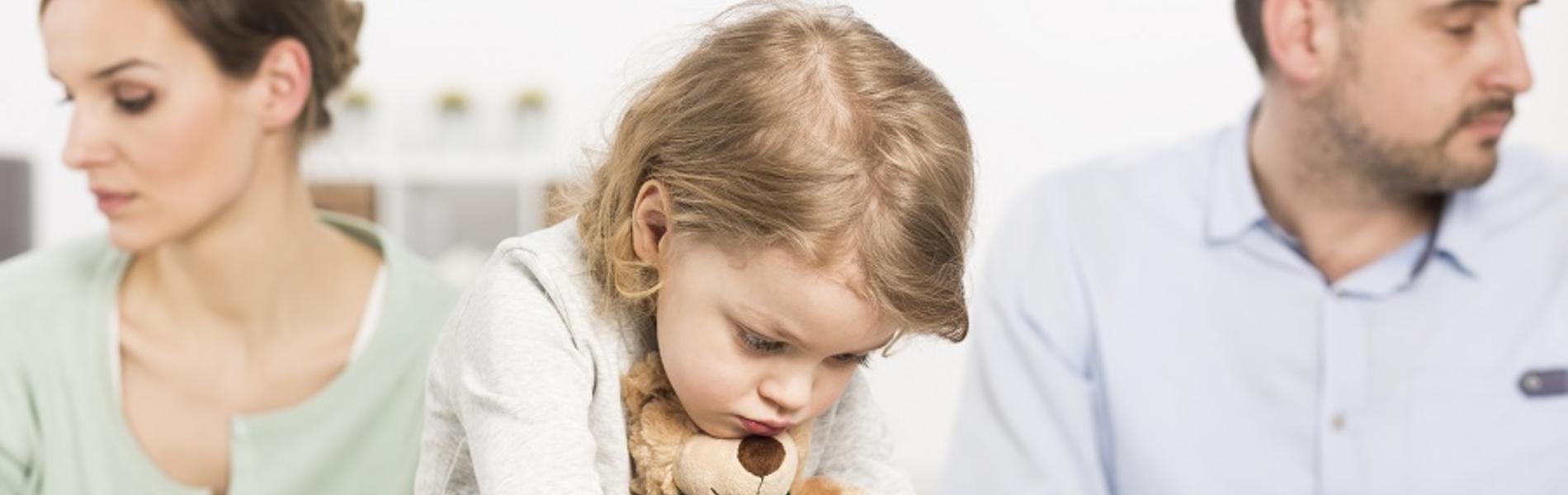 """""""בוא אני אספר לך מי זה אבא"""": 10 דברים שאסור להגיד לילדים כשמתגרשים"""
