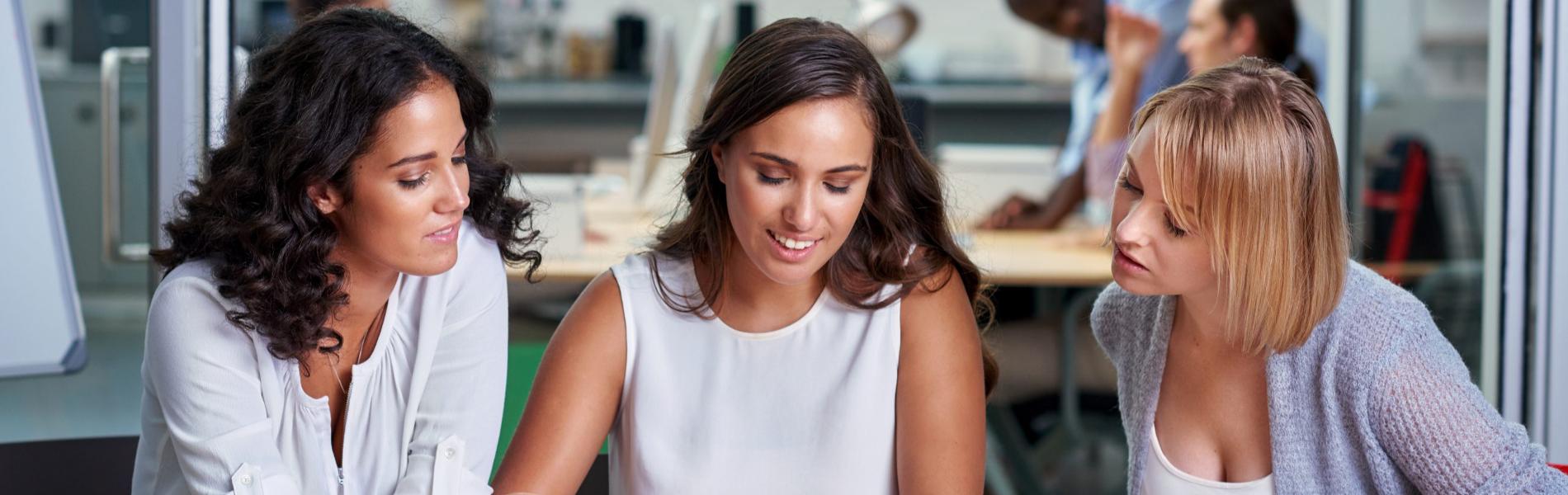 לכי חפשי את החברות שלך: מחקרים מראים שהן אלו שתעזורנה לך בקריירה
